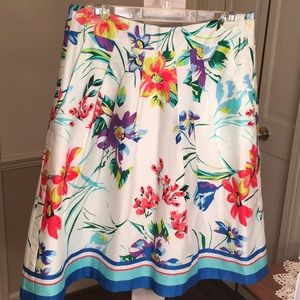 Ann Taylor Pleated Floral Skirt, Size 6 NWT!